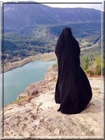 The Jilbaab Is Worn From The Head, And The Impermissibility of the Shoulder 'Abaaya